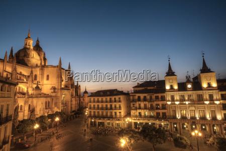 plaza mayor in the evening with