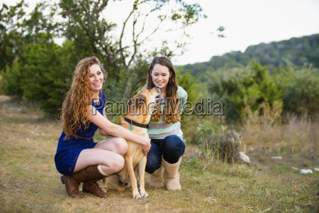 usa texas sisters with blackmouth cur