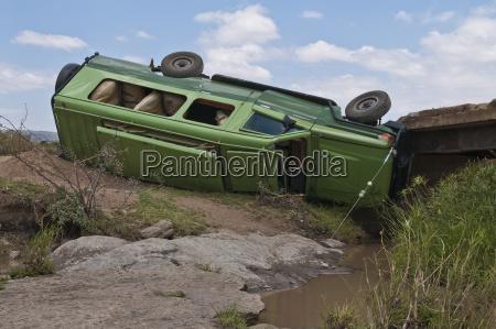 africa kenya accident of safari jeep