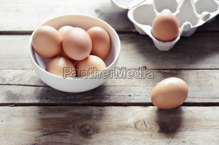 studio brown eggs in a bowl