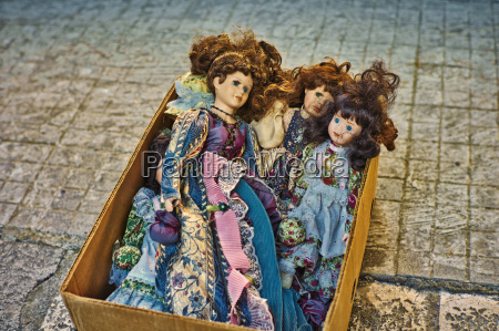 italy apulia old puppets on peddlers