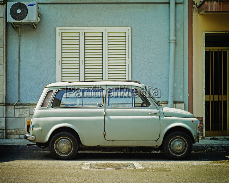 italy old blue fiat 500 in