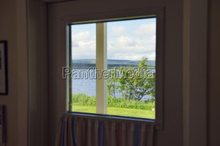 sweden gaeddede look through window to