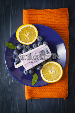 blueberry yogurt candy with slices of