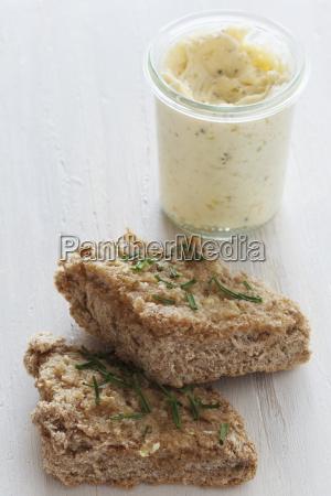 garlic bread with jar of garlic
