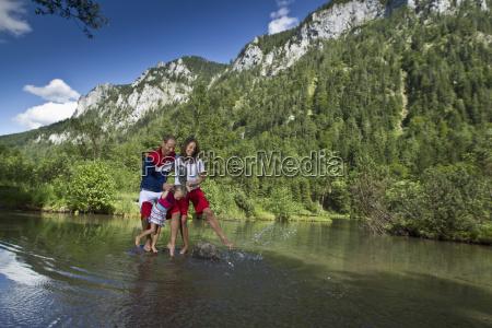 germania baviera chiemgau lago di montagna