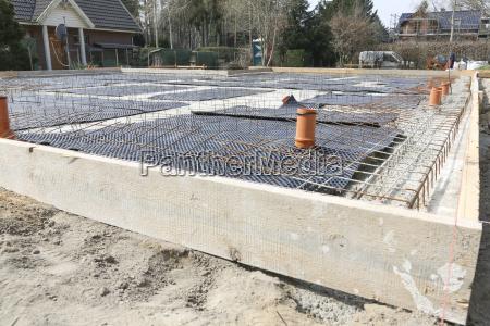 germnay brandenburg strip foundation with armoring