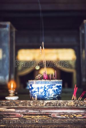 vietnam buddhist shrine