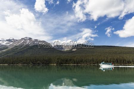 canada alberta jasper national park maligne
