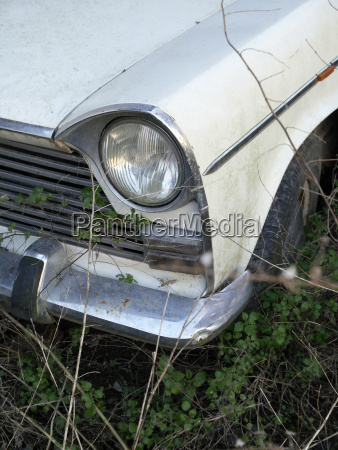 headlight and car wing of vintage