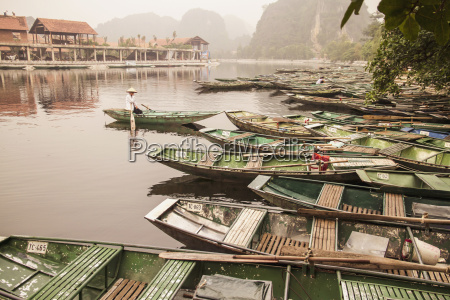 vietnam view of tour rowing boats