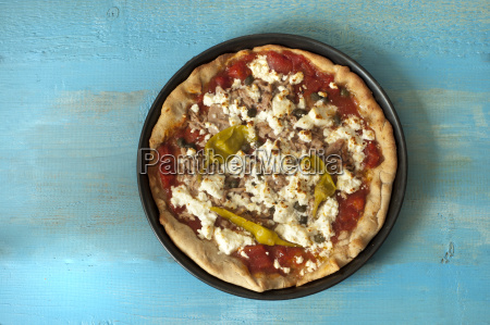 pizza with feta tuna and chillies