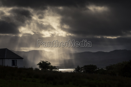scotland isle of skye sun rays