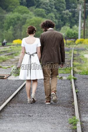bridal couple jon the move back