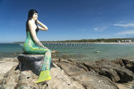 myanmar ngwesaung lovers island mermaid and