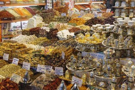 turkey istanbul eminoenue spice bazaar misir