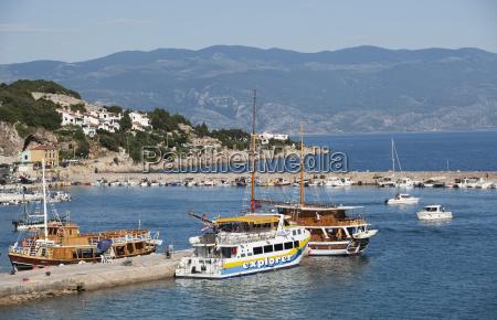 croatia sightseeing boat in sea at