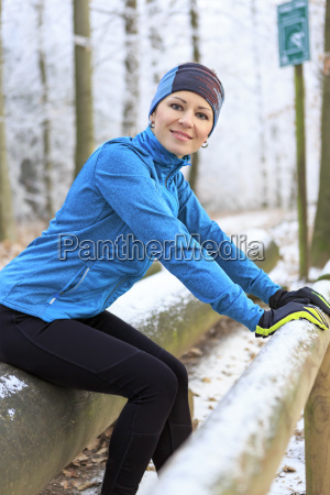woman training on fitness trail in