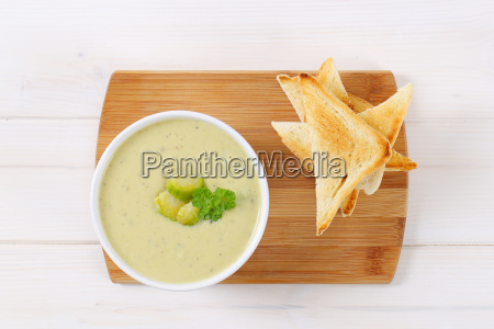 brussels sprouts soup with toast