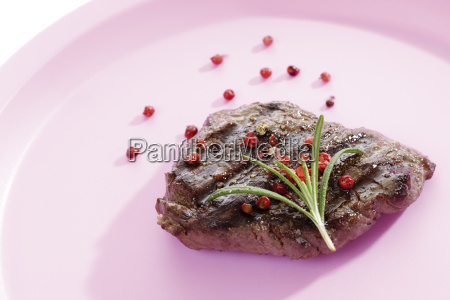 roast beef with red pepper and