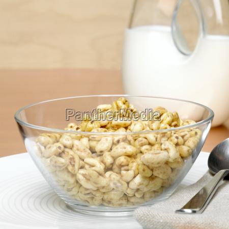 honey crispis in glass bowl