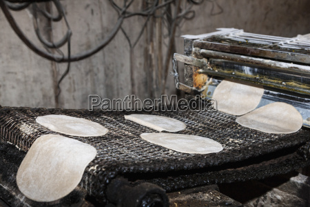 india punjab amritsar preparation of naan