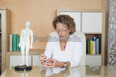 germany frechen woman traditional chinese medicine