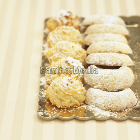 vanilla crescents and cocos macaroons close