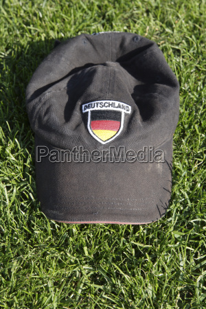 baseball cap with german colours close