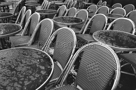 france paris bistro tables and chairs