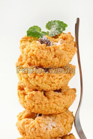 small almond crumb cookies