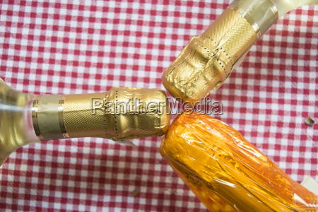 wine champagne and flute glasses