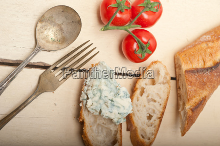 fresh blue cheese spread ove french