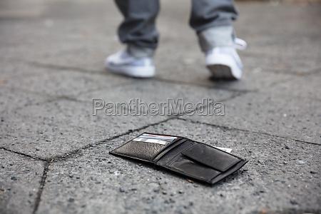 lost wallet on street