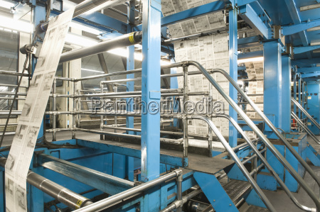 process of newspaper production