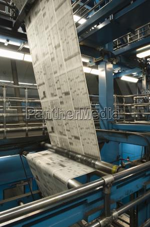 processo di produzione di giornali