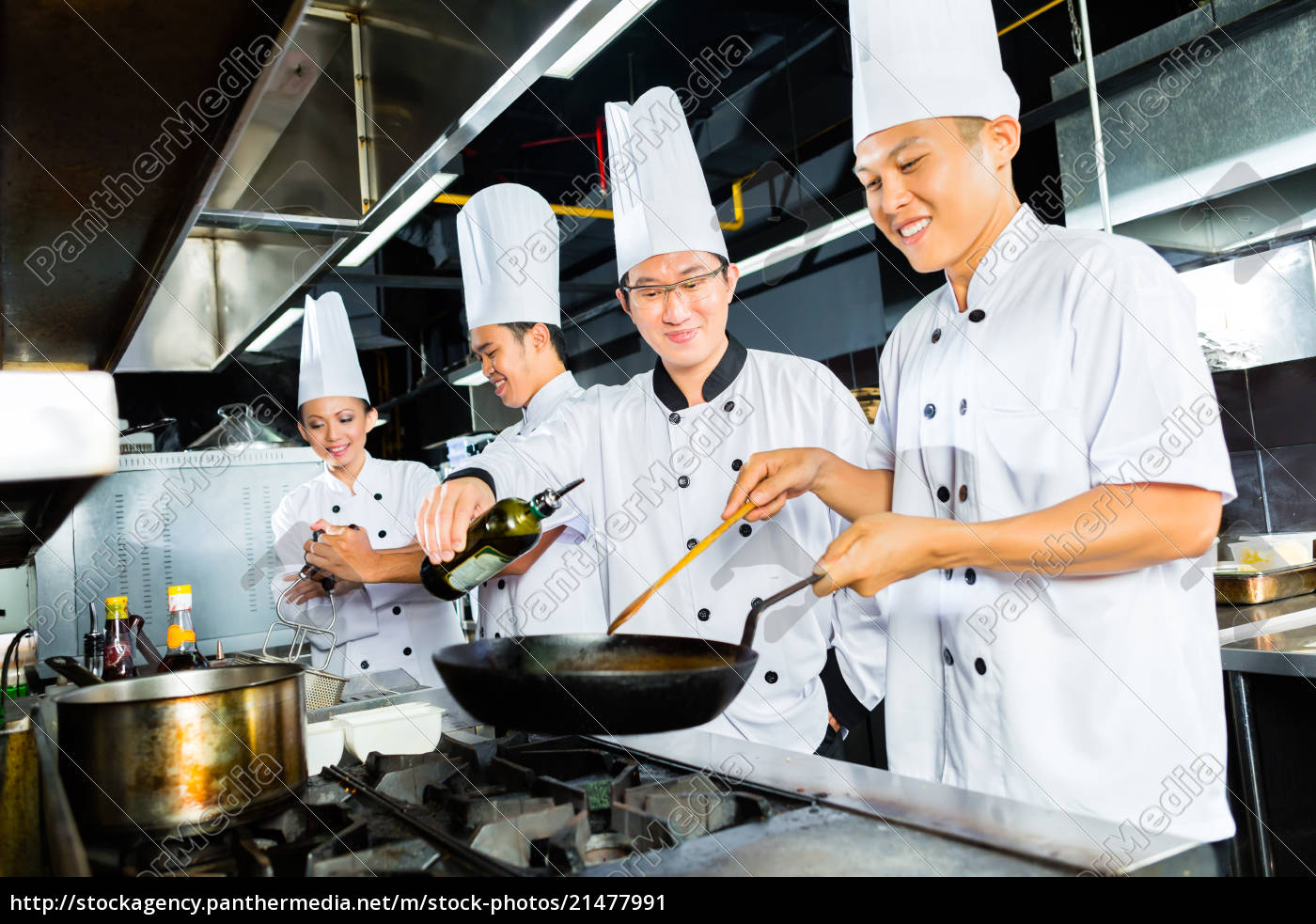 Asian Chefs In Restaurant Kitchen Cooking Stock Photo 21477991 Panthermedia Stock Agency