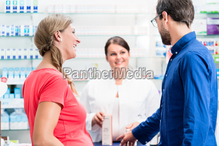 woman and man buying drugs in