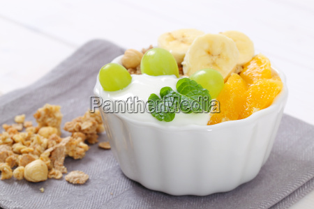 muesli with yogurt and fresh fruit