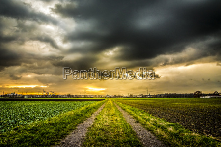 dirt road in front of a