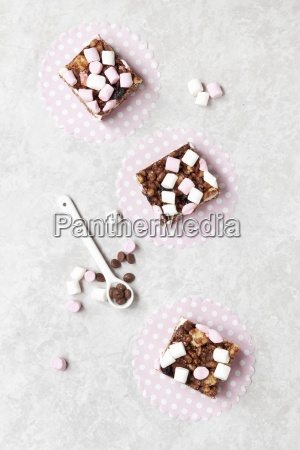 rocky road chocolate rice krispie treat