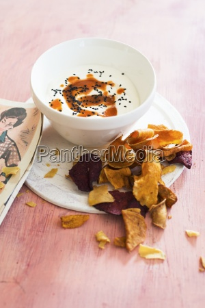 vegetable crisps with dip