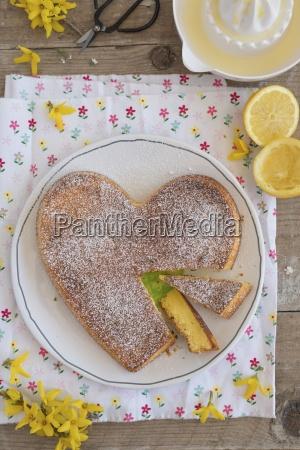 heart shaped moelleux au citron lemon