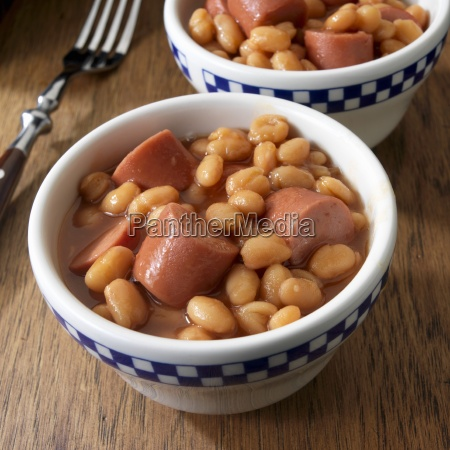 frankfurters with baked beans in two