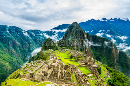 ancient incas town of machu picchu