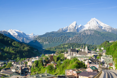 small township berchtesgaden and snowy peaks