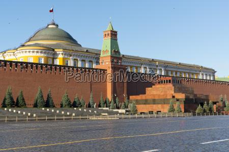 lenins tomb and the kremlin walls