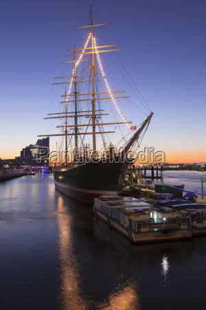 rickmer rickmers museum ship and elbphilharmonie
