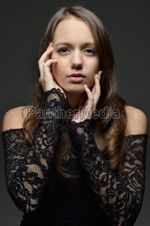beautifil woman with long brown hair