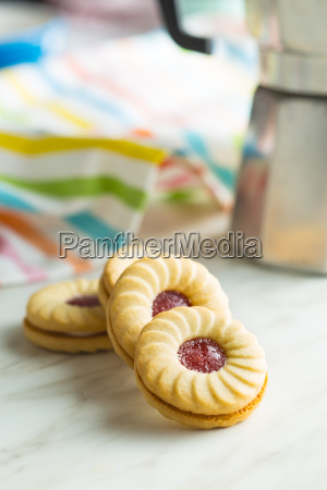 sweet biscuits with jam